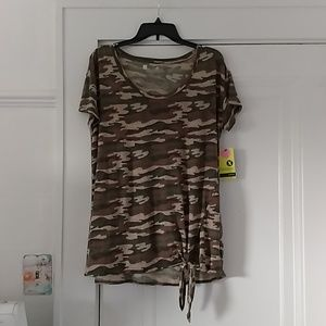 XERSION loose fit L Camo Tee shirt